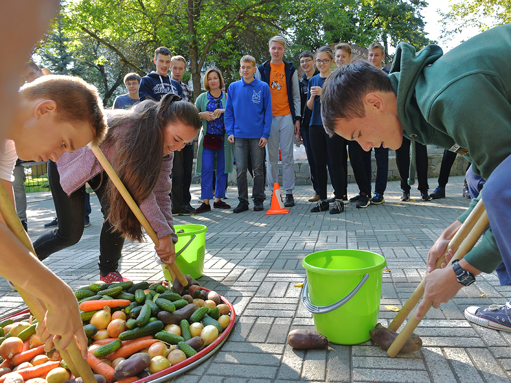 Компания «Равис» стала спонсором праздника «Золотая осень», который провел челябинский фи