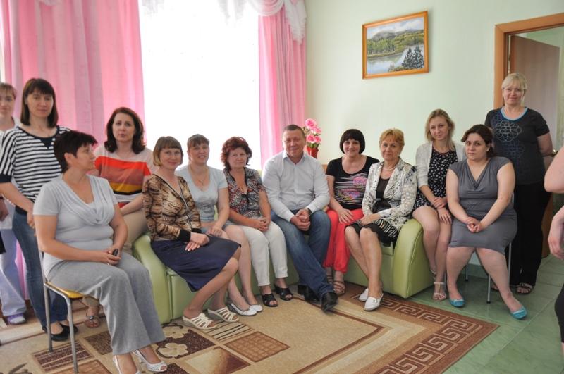 К поздравлениям депутата присоединились и члены совета общественного движения, которые нашли врем