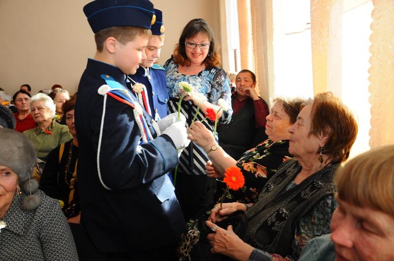 По традиции на праздник были приглашены представители органов власти, ветеранских и общественных