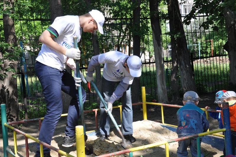 В этом году благоустройством и озеленением дворов, скверов, детских площадок, приусадебных участк