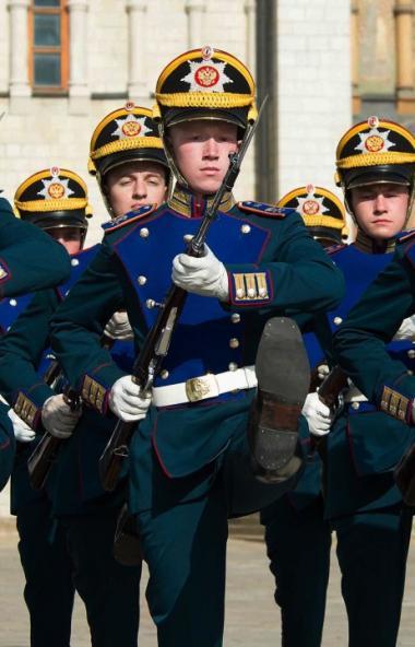 Челябинская область сегодня, 18-го декабря, отправляет призывников в Президентский полк.