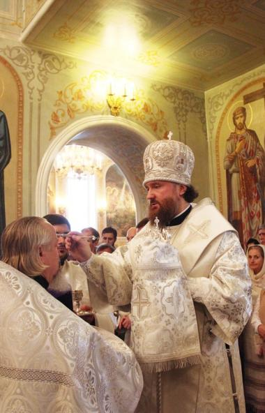 В Челябинске митрополит Челябинский и Миасский Григорий совершил всенощное бдение в Свято-Симеоно