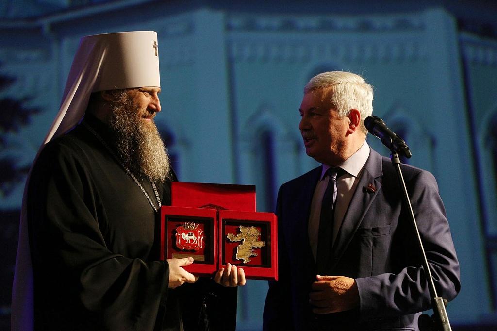 Председатель Законодательного Собрания Владимир Мякуш поздравил Челябинскую епархию со столетним