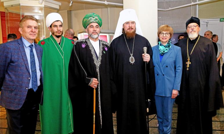 Вчера, 27 апреля, в Историческом музее Челябинска открылась выставка «22 июня, ровно в 4 часа, по