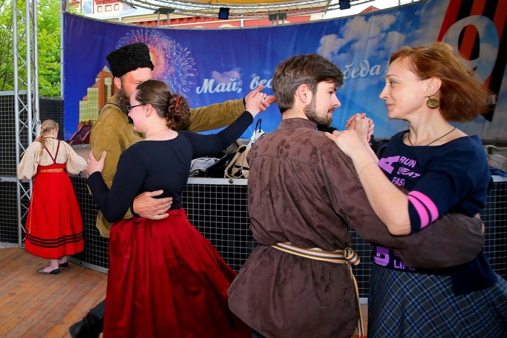 Сегодня, 21 сентября, завершается сезон открытых танцевальных вечеров на летней эстраде Историчес