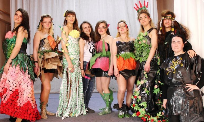 В ИК-5 ГУФСИН России по Челябинской области встретили приход весны театрализованным шоу-дефиле. М