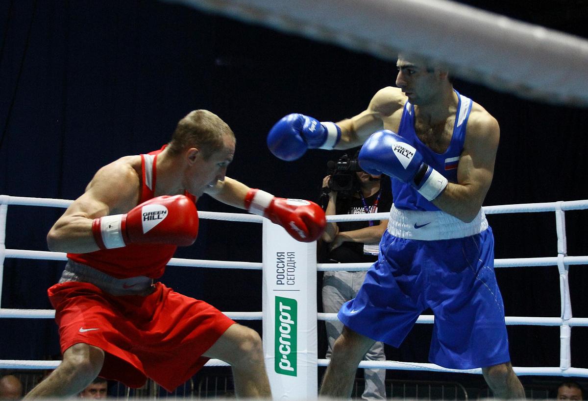 Южноуральские боксеры одержали победы в четвертьфинальных боях чемпионата России по боксу, которы