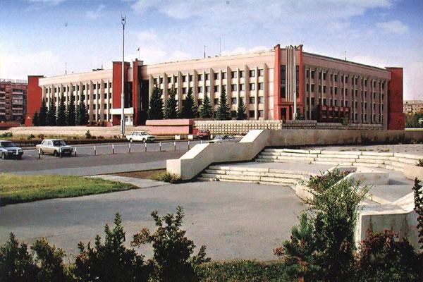 Напомним, на рассмотрение депутатов будет предложено четыре кандидатуры: и.о. главы города Витали