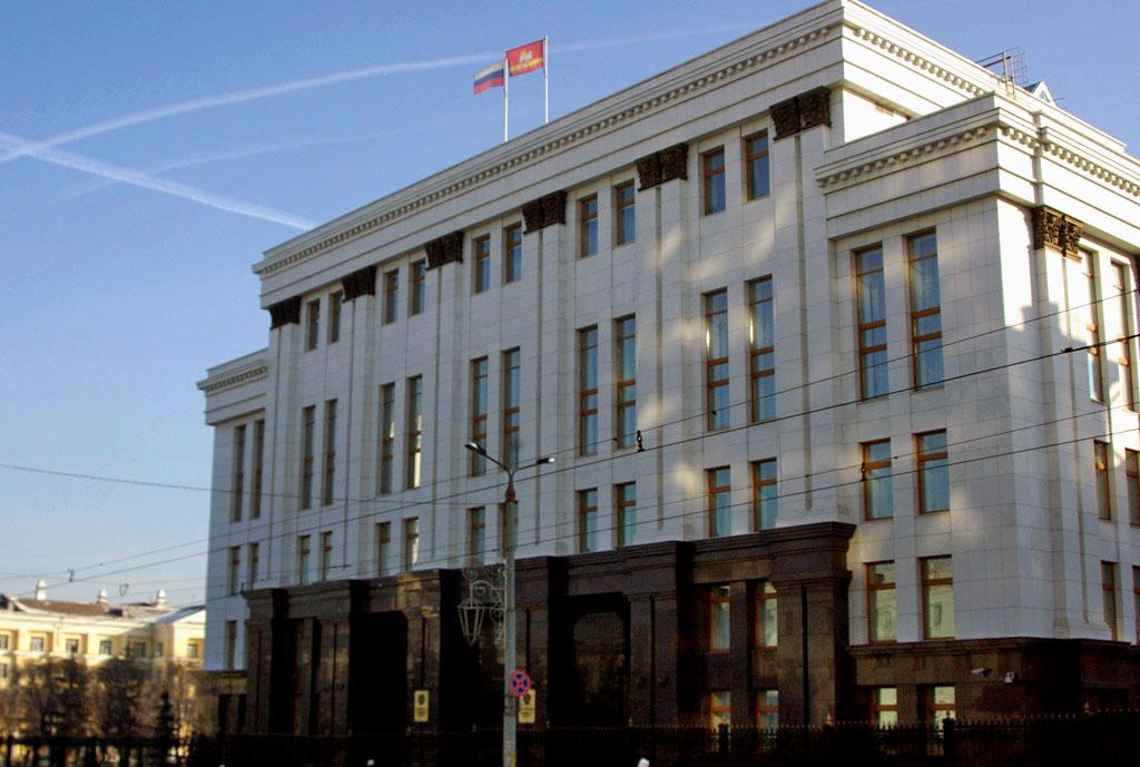 Штатная численность аппарата губернатора и правительства Челябинской области откорректирована.