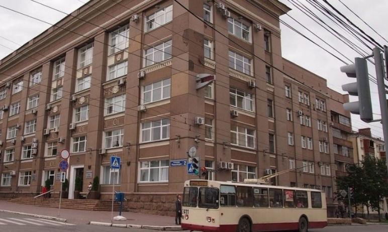 Администрация Челябинска после жалоб жителей на свалки брошенных елок заявила, что в городе не ос