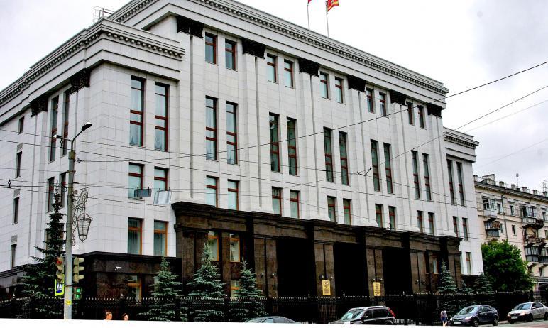 Жители Челябинска пожаловались губернатору Челябинской области Алексею Текслеру на проблемы с под