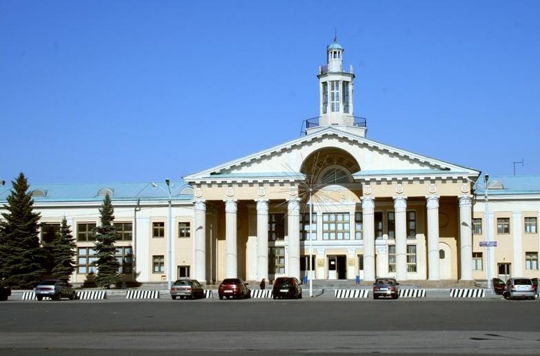 По информации пресс-службы управления на транспорте МВД России по УрФО, о заложенной «бомбе» стал