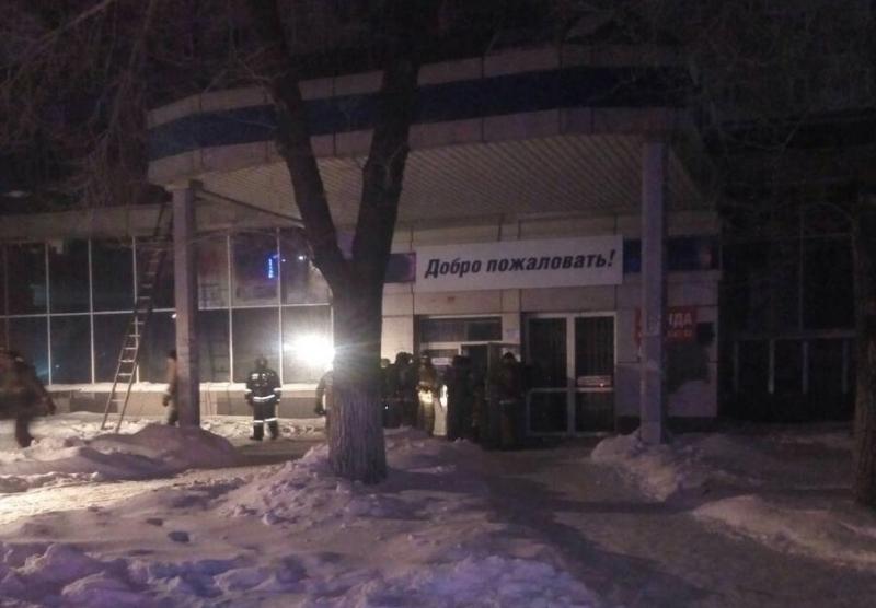 Жители частично обрушившегося дома в Магнитогорске (Челябинская область) вновь пережили беспокойн