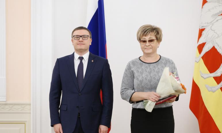 Губернатор Челябинской области Алексей Текслер вручил южноуральцам государственные, региональные