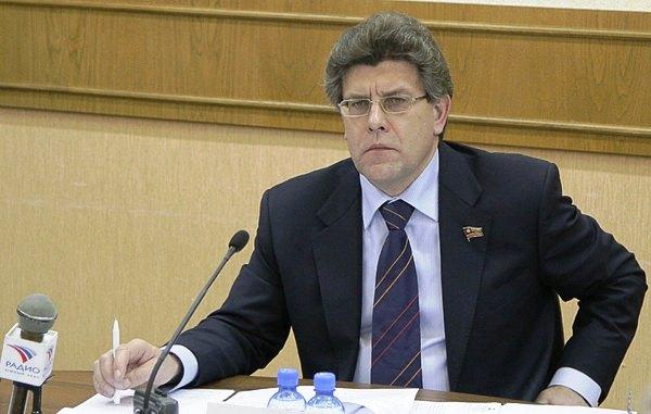 Александр Журавлев напомнил участникам комиссии, что основная цель ее работы – создание региональ