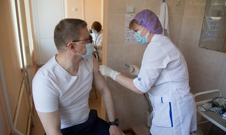Губернатор Челябинской области Алексей Текслер поставил прививку от коронавирусн