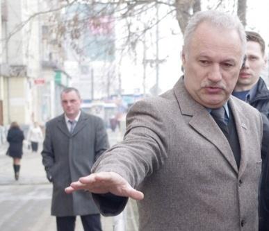 По словам Алейникова, сейчас управление строительства будет уточнять, не попадают ли эти границы