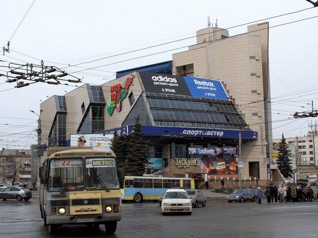 Как заявил Давыдов, на перекрестке Свердловского проспекта и проспекта Ленина запланировано строи