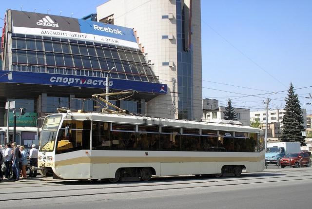 Речь идет об участке на пересечении проспекта Ленина и Свердловского проспекта, где возведен ТЦ «