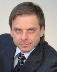«Считаю, 4 марта обязательно должен победить русский президент, то есть человек, не связанный каб
