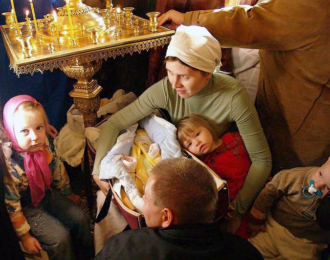 Как сообщает «Магнитогорский металл», три семьи украинских мигрантов размещены в общежитиях, в бл