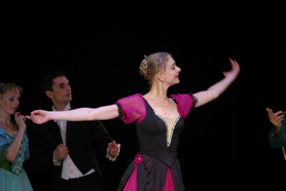 Балет «Анюта» идет на сцене челябинского театра уже на протяжении четверти века – его премьера со