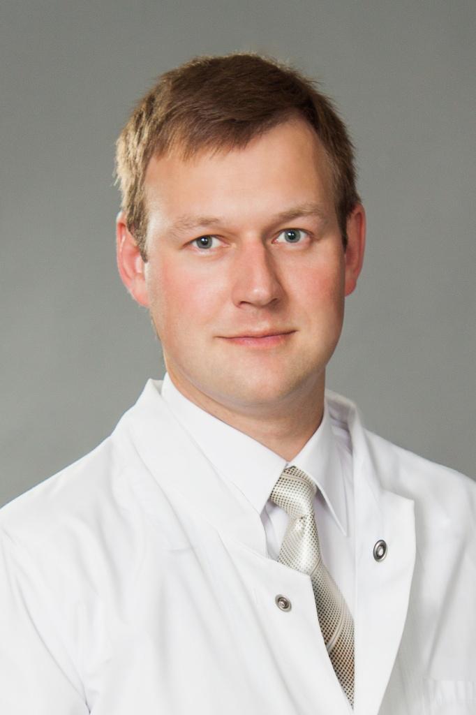 Так, заведующий отделением абдоминальной хирургии Челябинской областной больницы Антон Ефремов сп