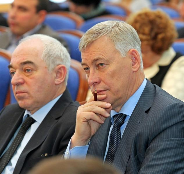 Напомним, в понедельник, 30 сентября, глава администрации Миасса Виктор Ардабьевский был задержан