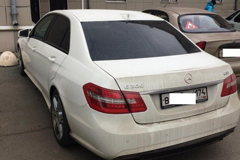 Судебные приставы продали машину бывшегоглавврача больницы Коркино (Челябинская область), осужде