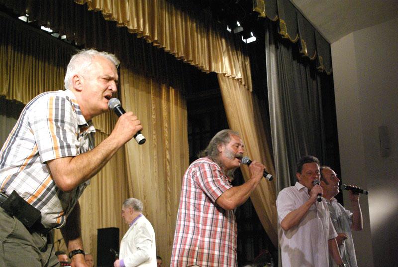 Вокально-инструментальный ансамбль «Ариэль» — старожилы российской эстрады. «Ариэль» был создан с