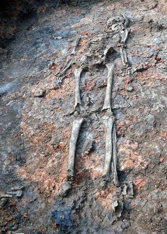 Экспедиционный отряд под руководством Юрия Макурова проводил работы на могильнике эпохи кочевнико