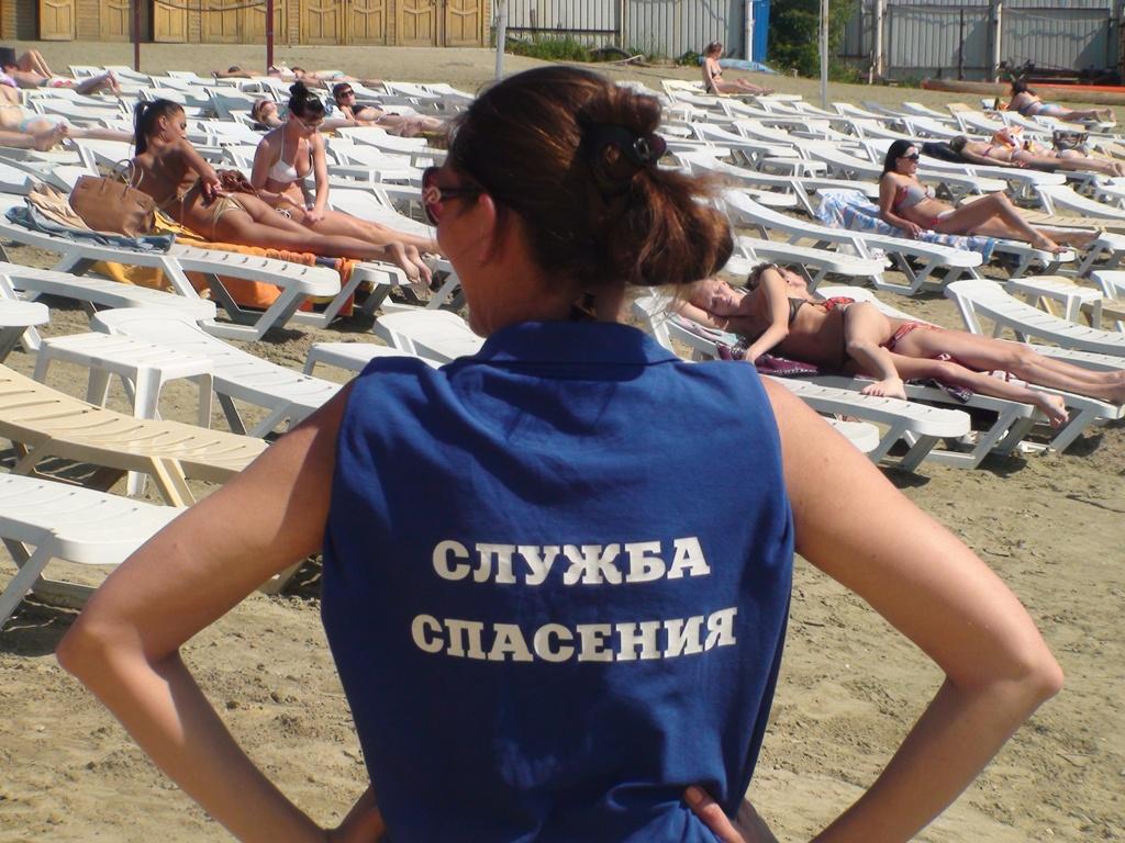 Официально летний купальный сезон в городе заканчивается 31 августа. Как сообщает пресс-служба го