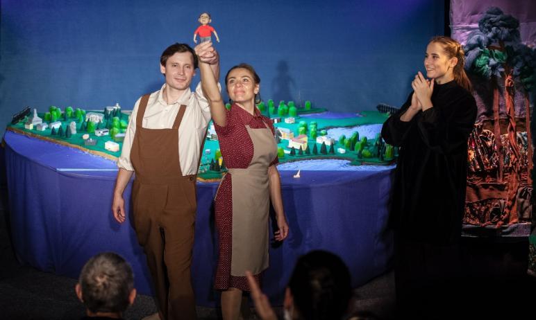 С сегодняшнего дня, 6 июля, Озерский театр кукол «Золотой петушок» отправляется в отпуск. А накан