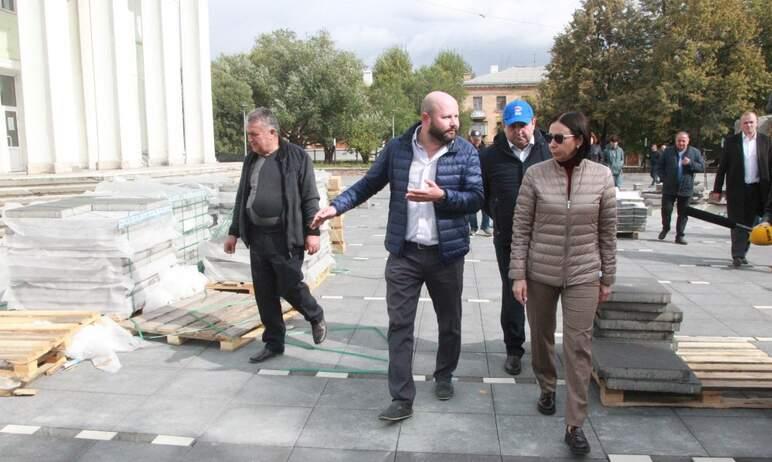 Глава Челябинска Наталья Котова сегодня, девятого сентября, посетила объекты благоустройства в Ме
