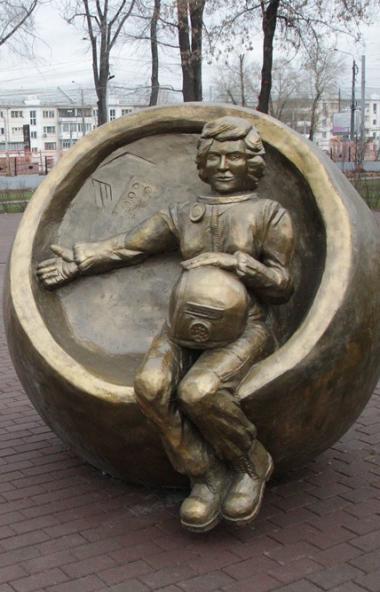 В Челябинске завершается реконструкция парка имени Терешковой в Тракторозаводском районе. Осталис