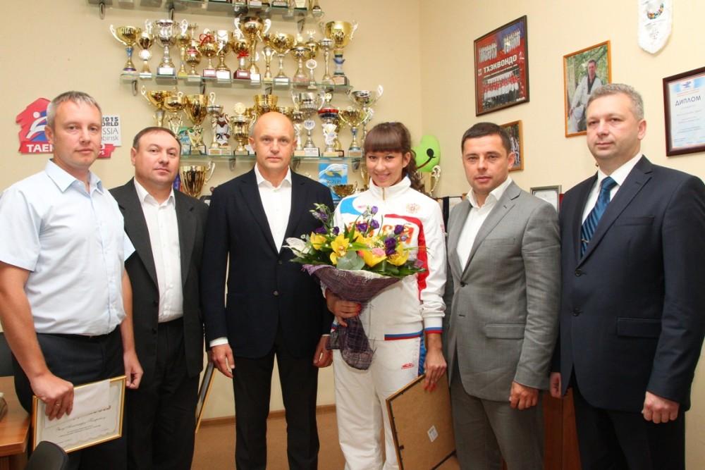 Первыми поздравления приняли наставники и руководители спортшколы «Корё». Заслуги Вячеслава Зенче