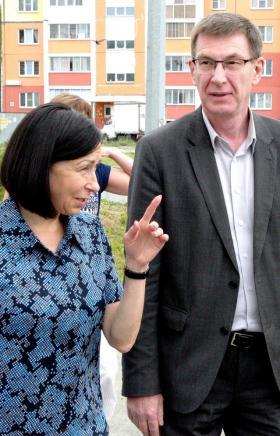 Тротуары в никуда и отсутствие парковок – временно исполняющая обязанности главы Челябинска Натал