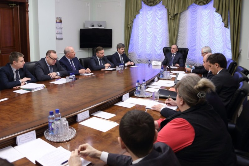 Об этом сообщил на аппаратном совещании губернатор Борис Дубровский. Он напомнил, что 15 марта пр