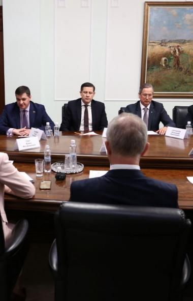 В Челябинской области профсоюзы, правительство и работодатели с целью обеспечения опережающего ро