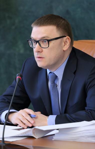 Губернатор Челябинской области Алексей Текслер призвал южноуральцев писать ему в аккаунты в соцсе
