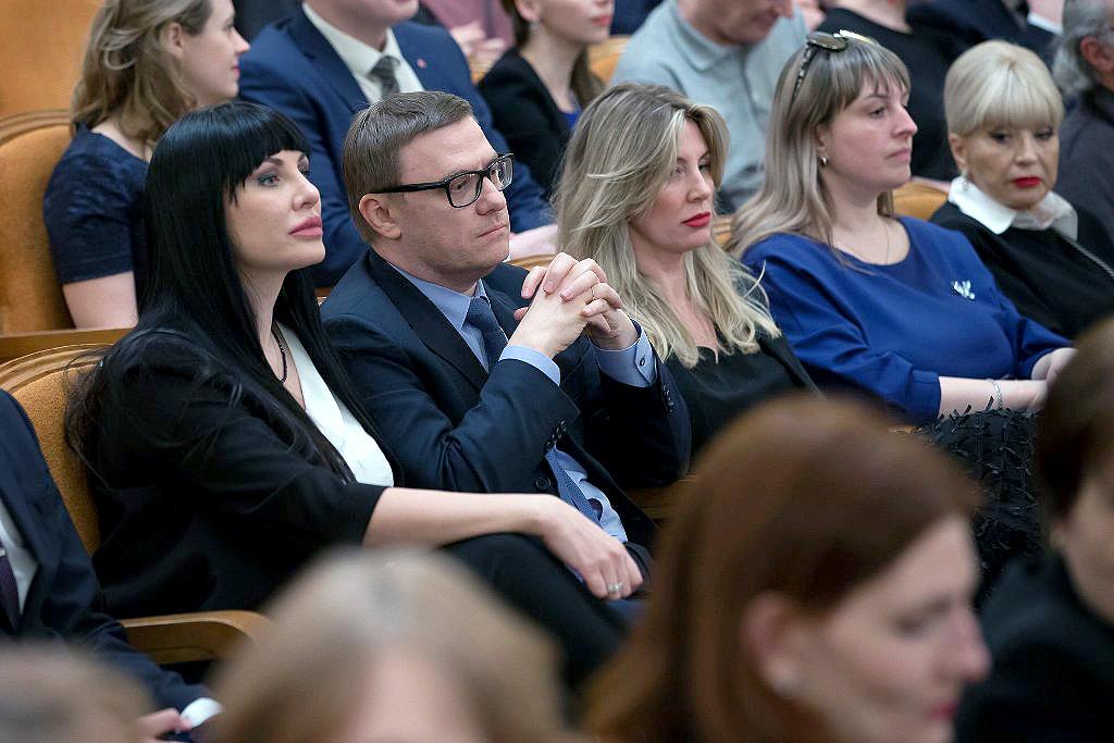 Врио губернатора Челябинской области Алексей Текслер вместе с супругой принял уч