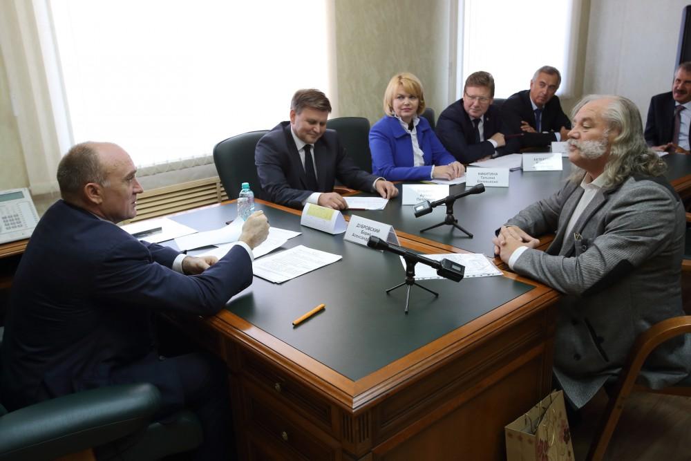 Борис Дубровский проводит личный прием граждан ежеквартально. В этот раз на встречу с главой приш