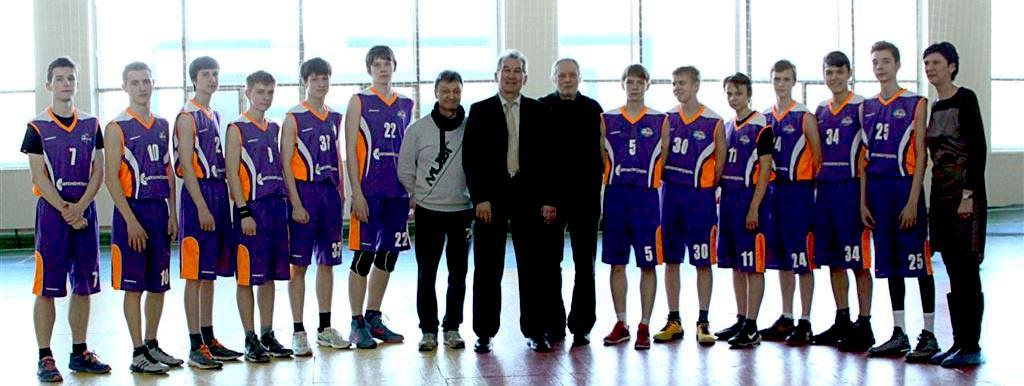 Турнир среди юношеских команд горнозаводской зоны проводится при поддержке АО «ГРЦ Макеев