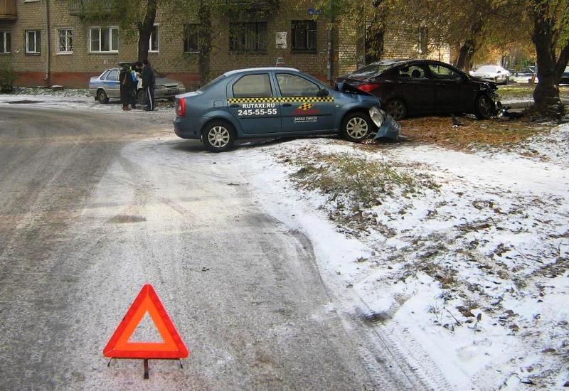 Авария произошла 20 октября в 07 часов 30 минут на улице Бажова возле дома 36/А.