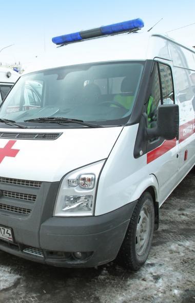 В Челябинске четырехлетняя девочка выпала из окна квартиры, расположенной на четвертом этаже. Бла
