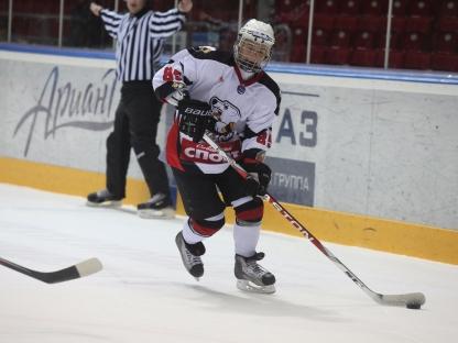 В дебютном сезоне МХЛ «Толпар» лишил «Белых медведей» бронзовых медалей в серии за третье место