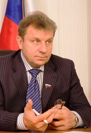 По словам депутата, решение он принял после консультаций и тщательного анализа политической ситуа