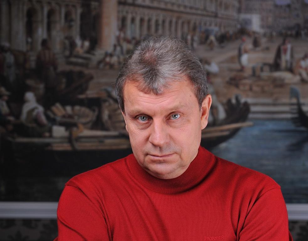 Готовясь к интервью с Александром Павловичем Берестовым, президентом одного из крупнейших