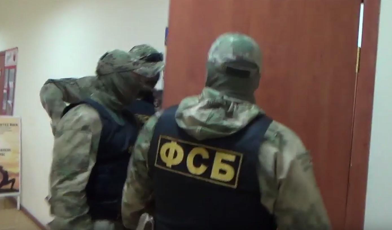 Сотрудников ФСБ интересовал адепт, который склонял жителей Миасса к своей религии Напомним