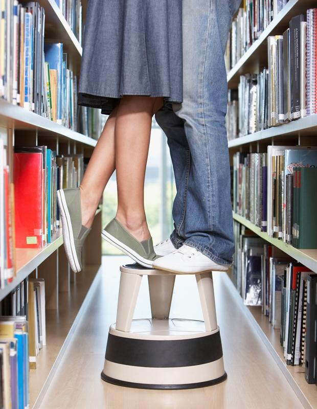 В библиотеке запланированы ознакомительные экскурсии по библиотеке, викторины, знакомство с книжн